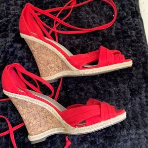 LIKE NEW Wedge sandals